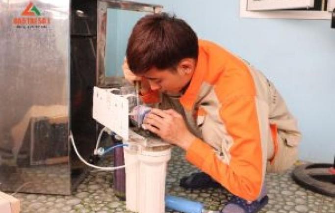 Tư vấn bạn dịch vụ sửa chữa máy lọc nước tại nhà đơn giản nhất