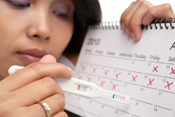 chạm kinh 10 ngày thai đã vào tử cung chưa